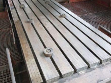 Stůl litinový drážkovaný 1250 x 5000 mm, montážní litinový stůl, svařovací litinový stůl